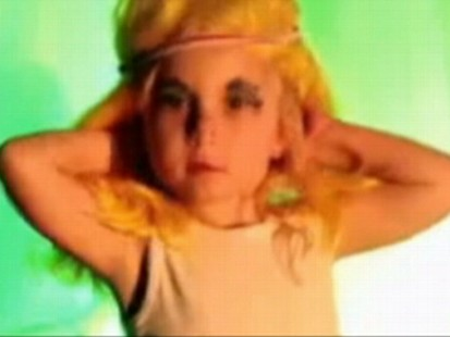 VIDEO: A mother defends her 3-year-olds dancing to Lady Gagas Telephone