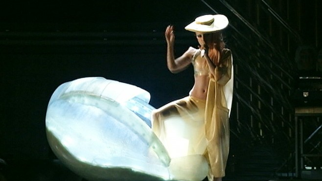 Lady Gaga Hatches From Egg at Grammy Awards Video - ABC News