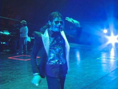 VIDEO: Michael Jackson rehearses Human Nature in the This Is It concert film.