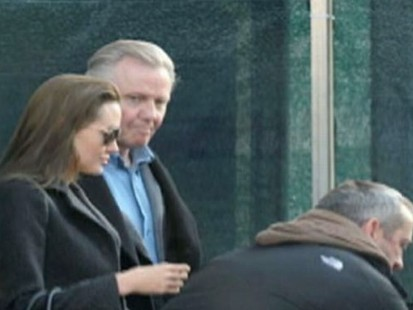 VIDEO: Angelina Jolie reunites with father Jon Voight.