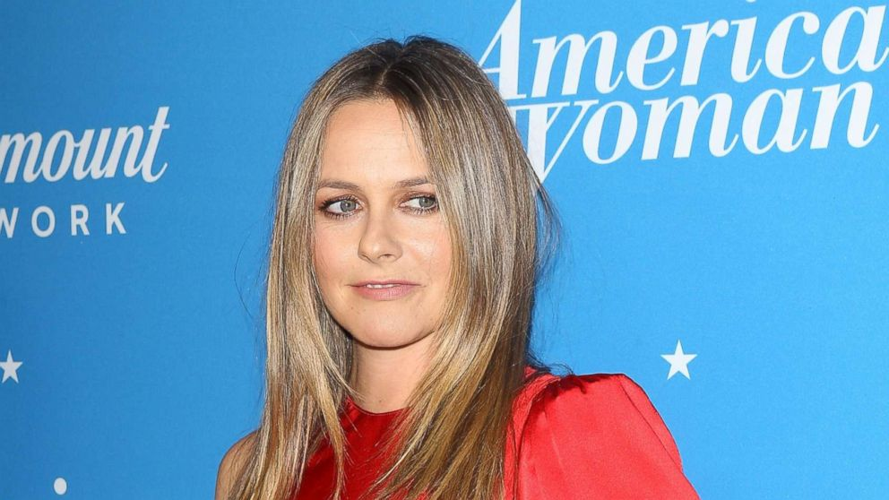 Alicia Silverstone talks new show and being recognized as