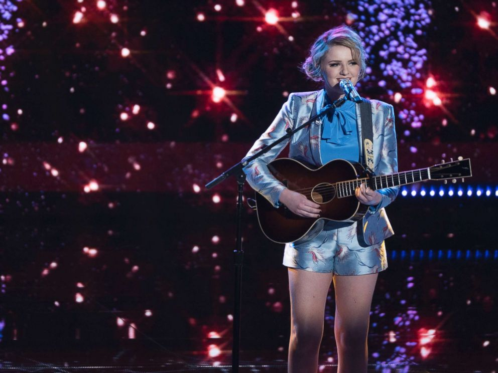 PHOTO: Maddie Poppe performs on ABCs, American Idol, May 20, 2018.