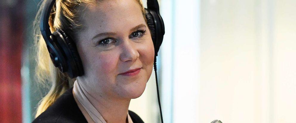 96ef16ae9f PHOTO  Amy Schumer talks to host Nikki Glaser on SiriusXMs