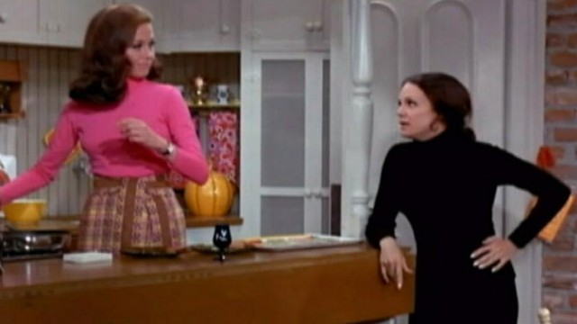 Mary Tyler Moore Cast To Reunite On Hot In Cleveland