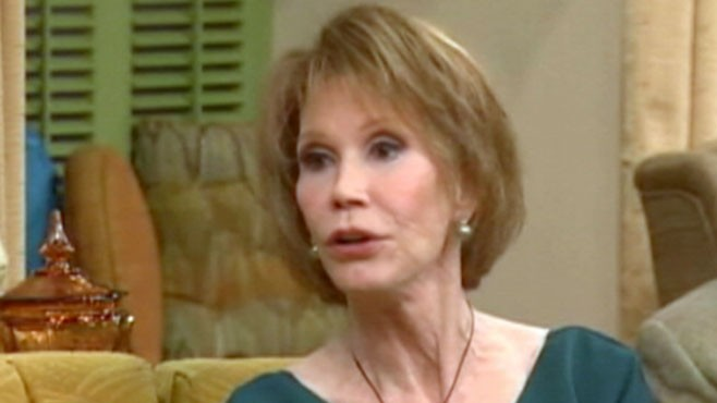 VIDEO: Mary Tyler Moore will have a benign tumor removed from skull.