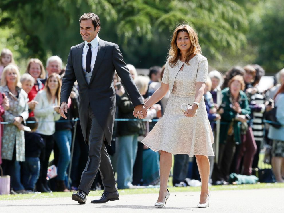 PHOTO: Swiss tennis player Roger Federer and his wife Mirka arrive at St Marks Church in Englefield, England, ahead of the wedding of Pippa Middleton and James Matthews, May 20, 2017.