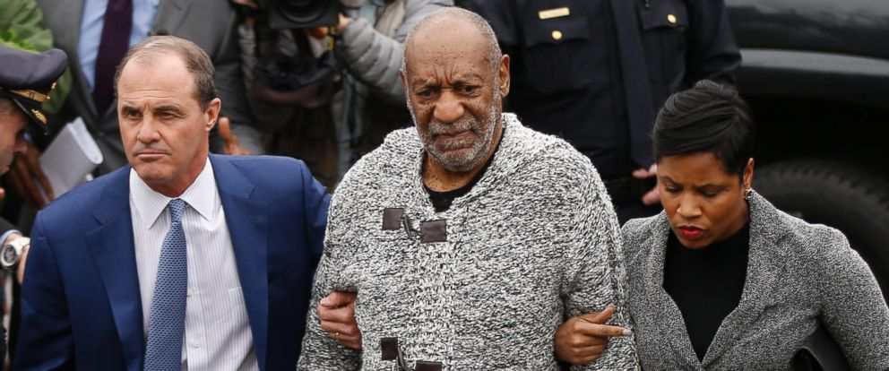 PHOTO: Bill Cosby is accompanied by his attorneys as they arrive to court to face a felony charge of aggravated indecent assault, Dec. 30, 2015, in Elkins Park, Pa.