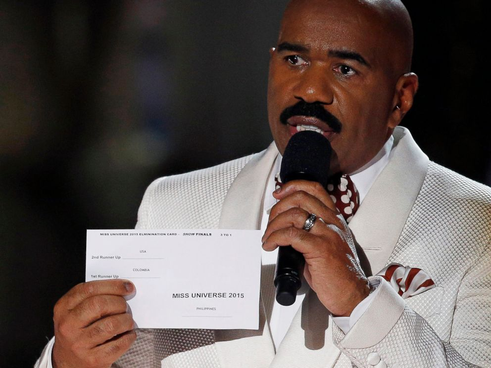 PHOTO: Steve Harvey holds up the card showing the winners after he incorrectly announced Miss Colombia Ariadna Gutierrez as the winner at the Miss Universe pageant on Sunday, Dec. 20, 2015, in Las Vegas.