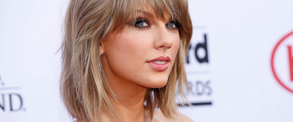 PHOTO: Taylor Swift arrives at the Billboard Music Awards at the MGM Grand Garden Arena on May 17, 2015, in Las Vegas.
