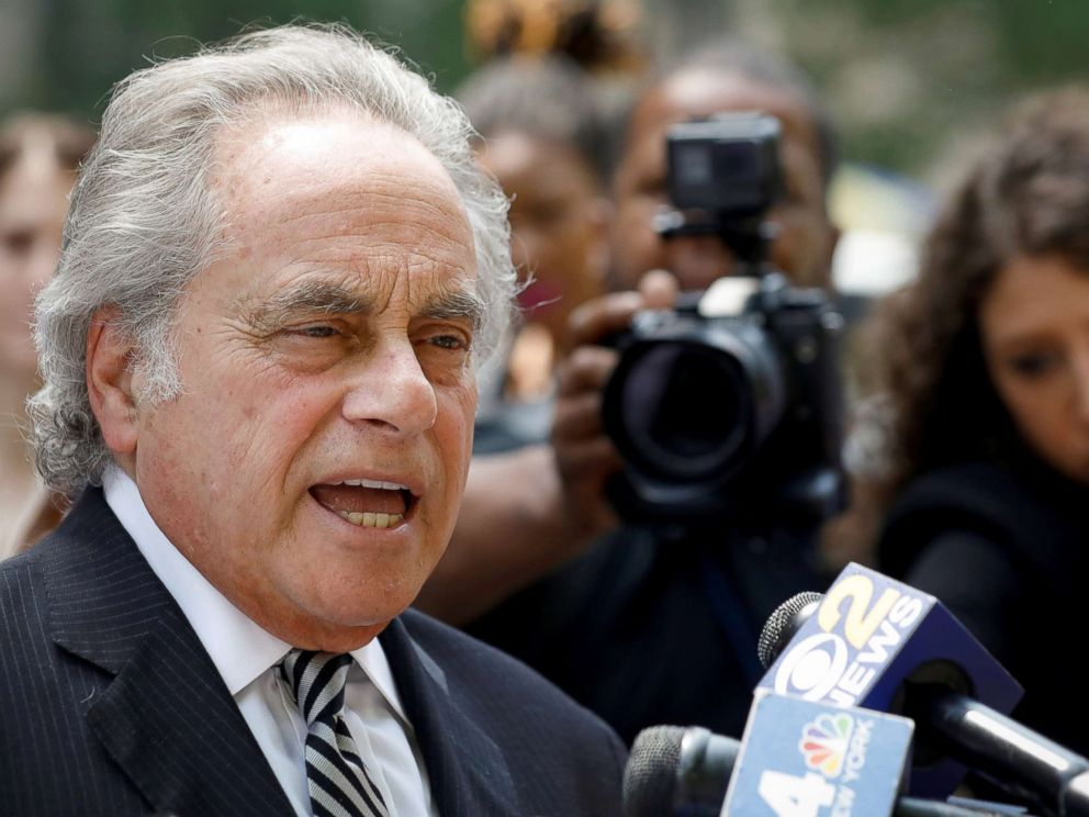 PHOTO: Benjamin Brafman, Lawyer for Film producer Harvey Weinstein, speaks to the press following a meeting at the Manhattan Criminal Court in New York, May 29, 2018.