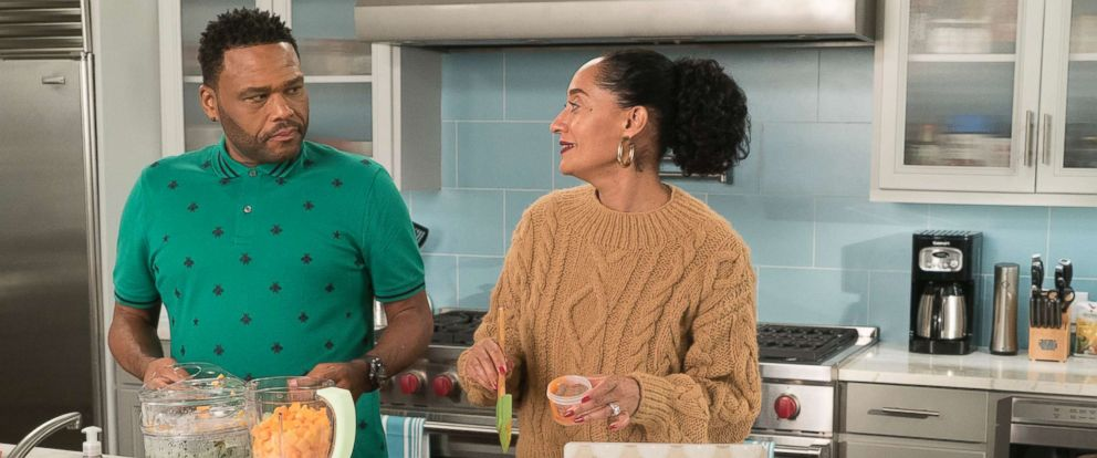 "PHOTO: Anthony Anderson, Tracee Ellis Ross in an episode on ""black-ish,"" Jan. 16, 2018, on The ABC Television Network."