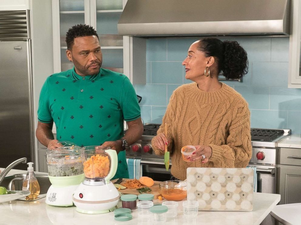 PHOTO: Anthony Anderson, Tracee Ellis Ross in an episode on black-ish, Jan. 16, 2018, on The ABC Television Network.