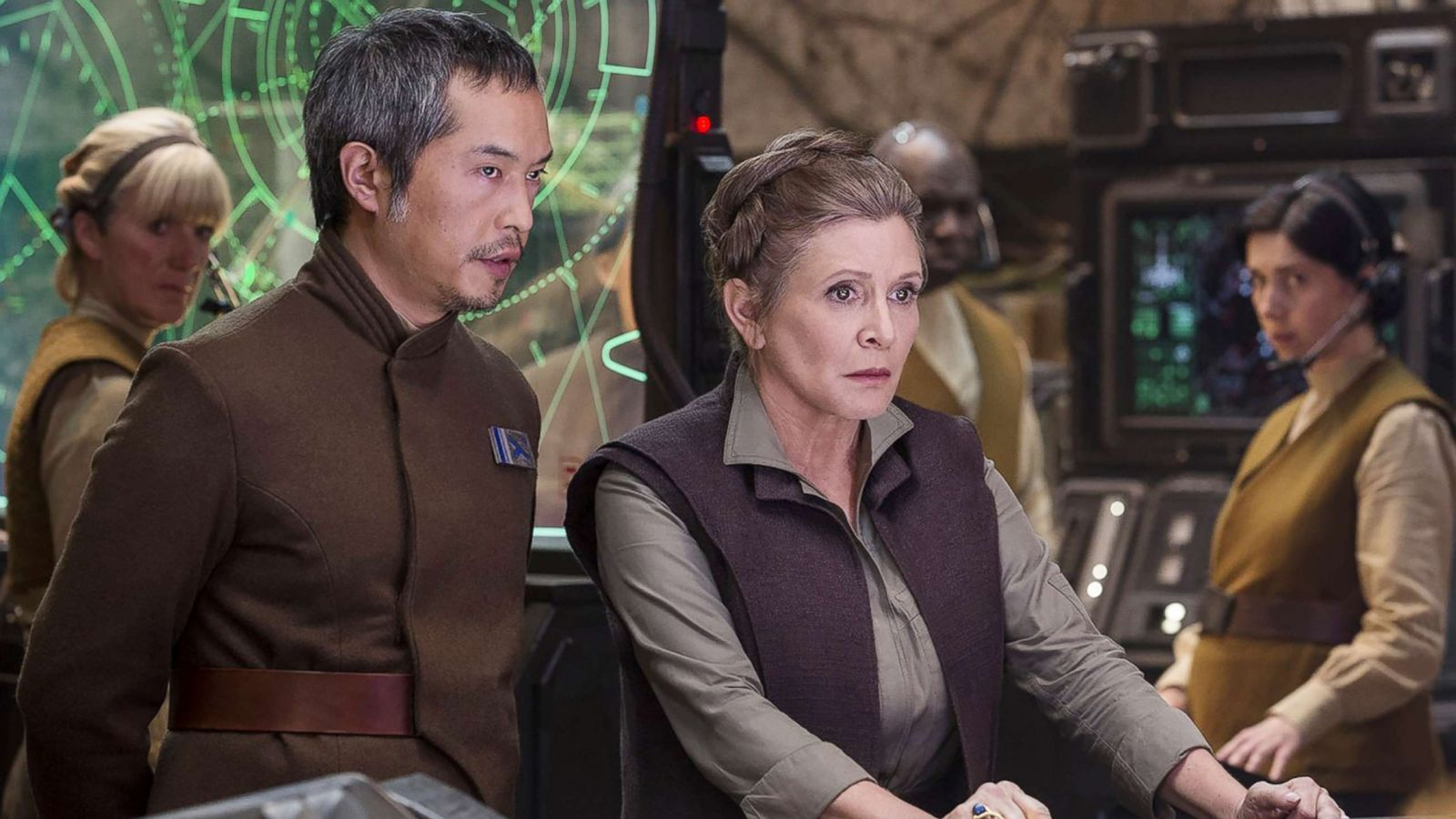 Star Wars The Rise Of Skywalker Director On His Decision To Use Carrie Fisher Footage Gma