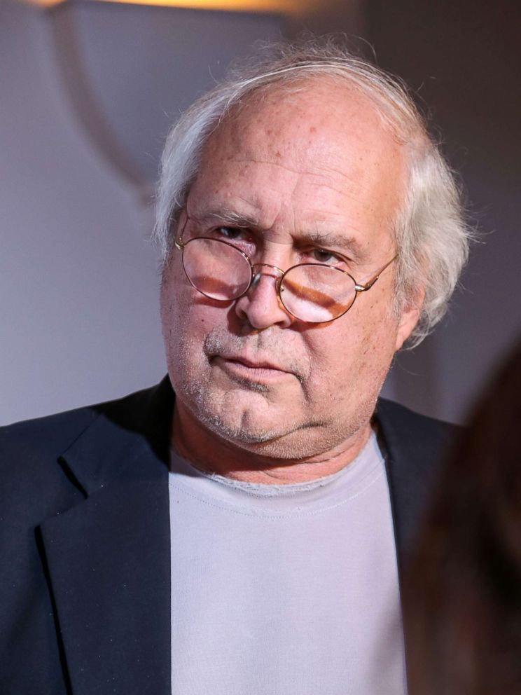 chevy chase allegedly attacked 39 kicked in the shoulder. Black Bedroom Furniture Sets. Home Design Ideas
