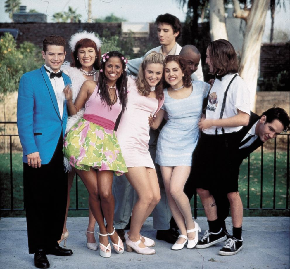 PHOTO: The cast of the 1995 film Clueless is pictured in a promotional image.