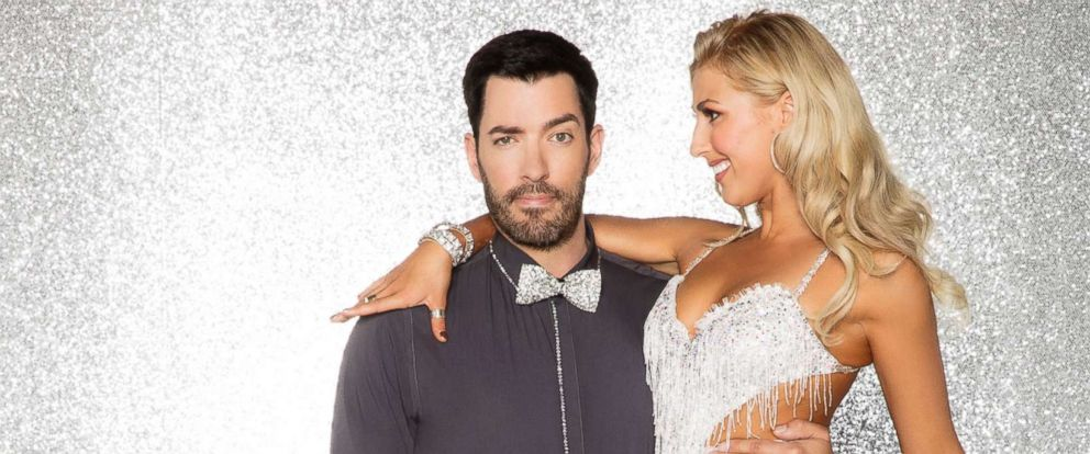 """PHOTO: Drew Scott is photographed here with his pro dance partner Emma Slater, who will compete with him in season 25 of """"Dancing With the Stars."""""""