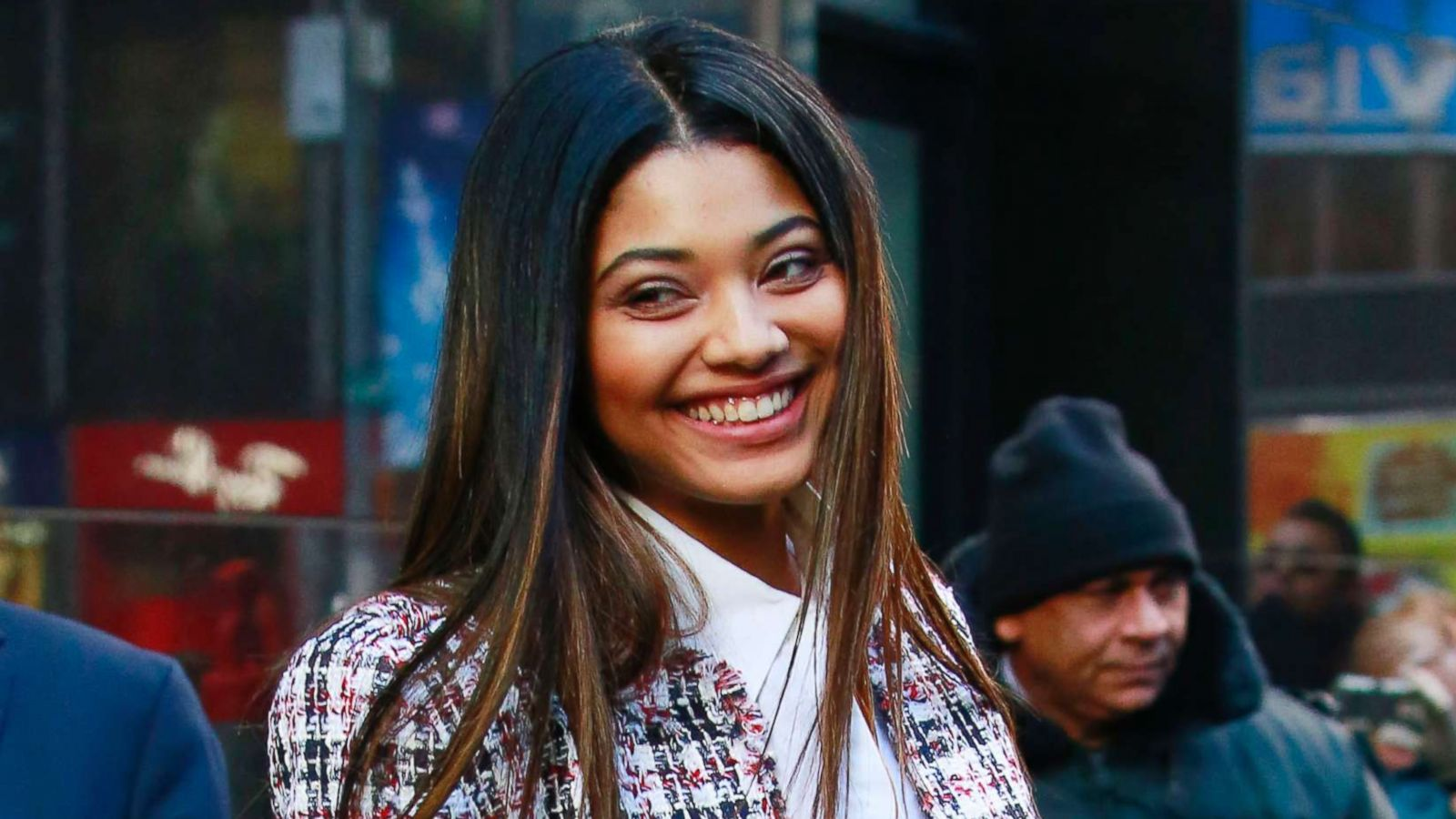 5 Things To Know About Danielle Herrington The Sports Illustrated Swimsuit Issue S New Cover Model Abc News