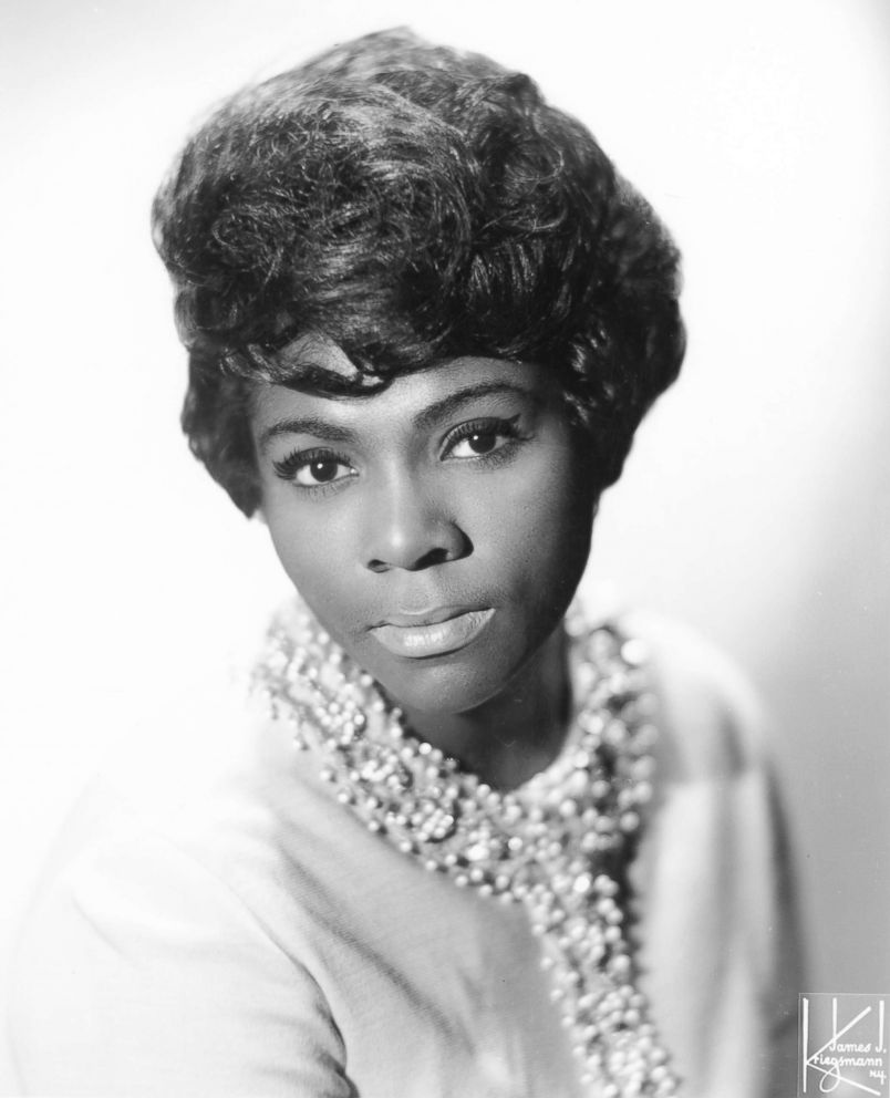 PHOTO: In this undated file photo is a studio portrait of Dee Dee Warwick.