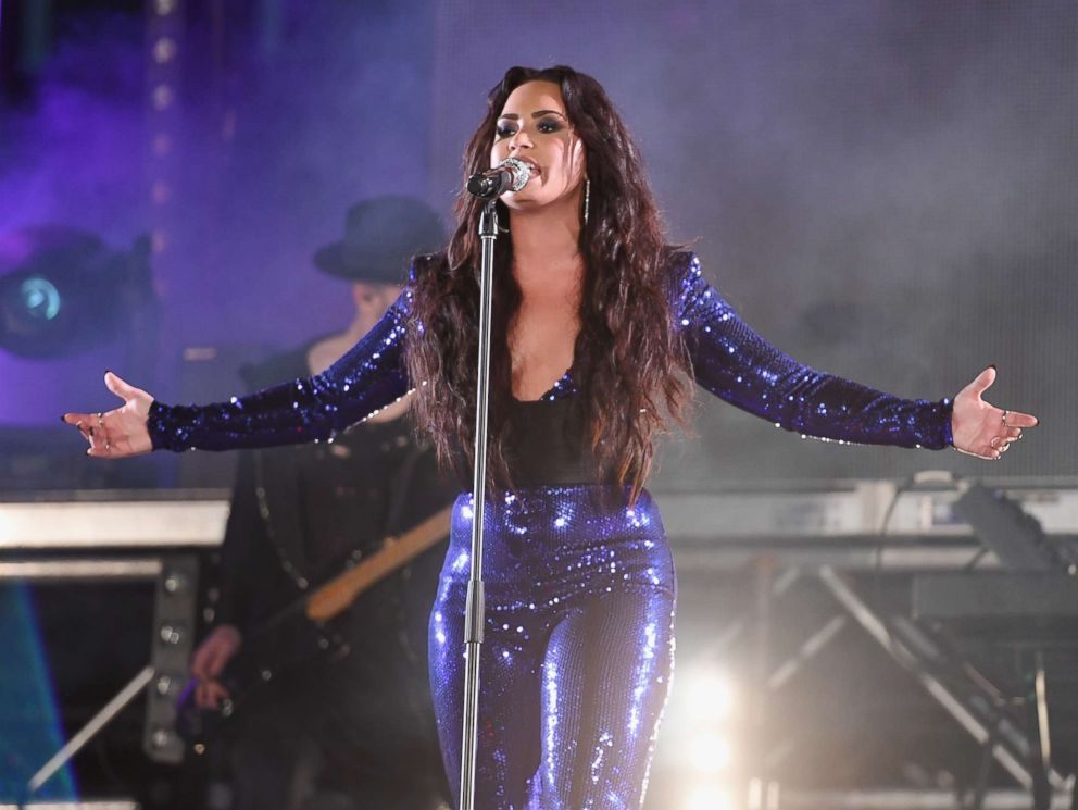 PHOTO: Demi Lovato performs onstage at Fontainebleau Miami Beach, Dec. 31, 2017, in Miami Beach, Fla.