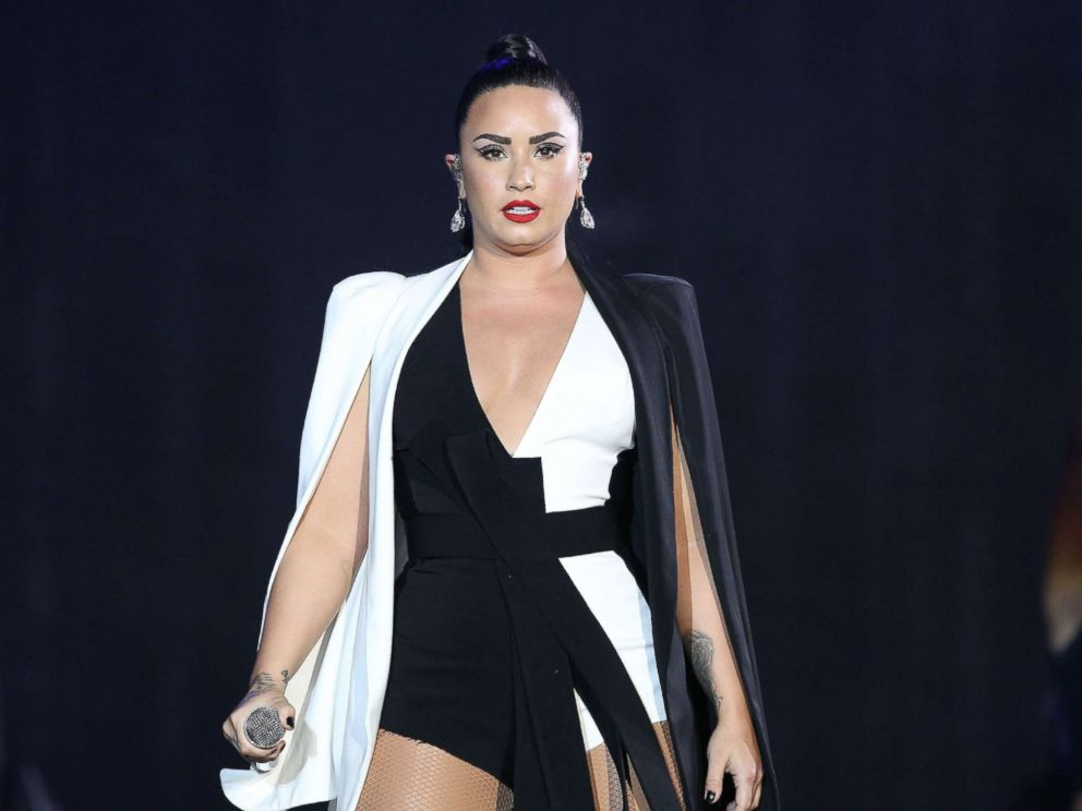 Demi Lovato 911 Call: 'No Sirens Please'