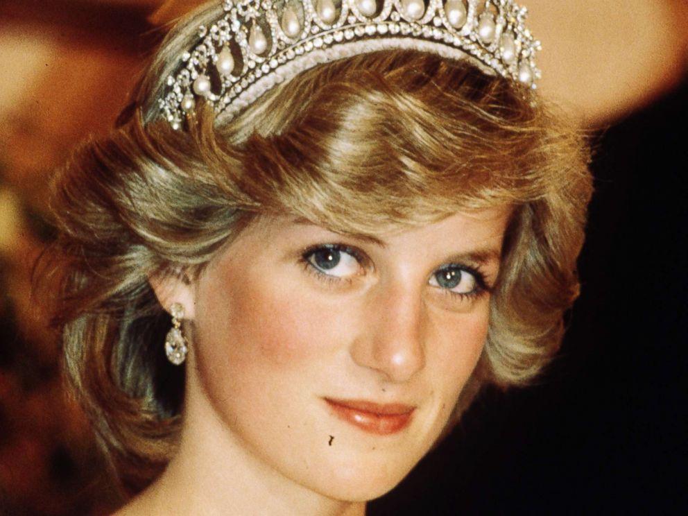 PHOTO: Princess Diana, Princess of Wales wearing a tiara in New Zealand during April 1983.