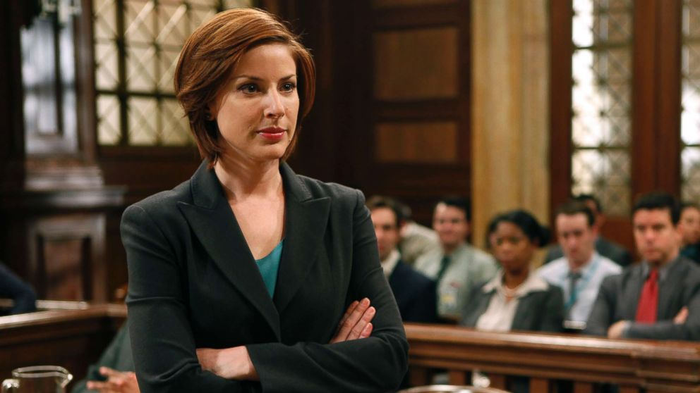 'Law & Order: SVU' Premiere: Rollins' Guy Drama & Dylan Walsh Makes His Debut (PHOTOS)