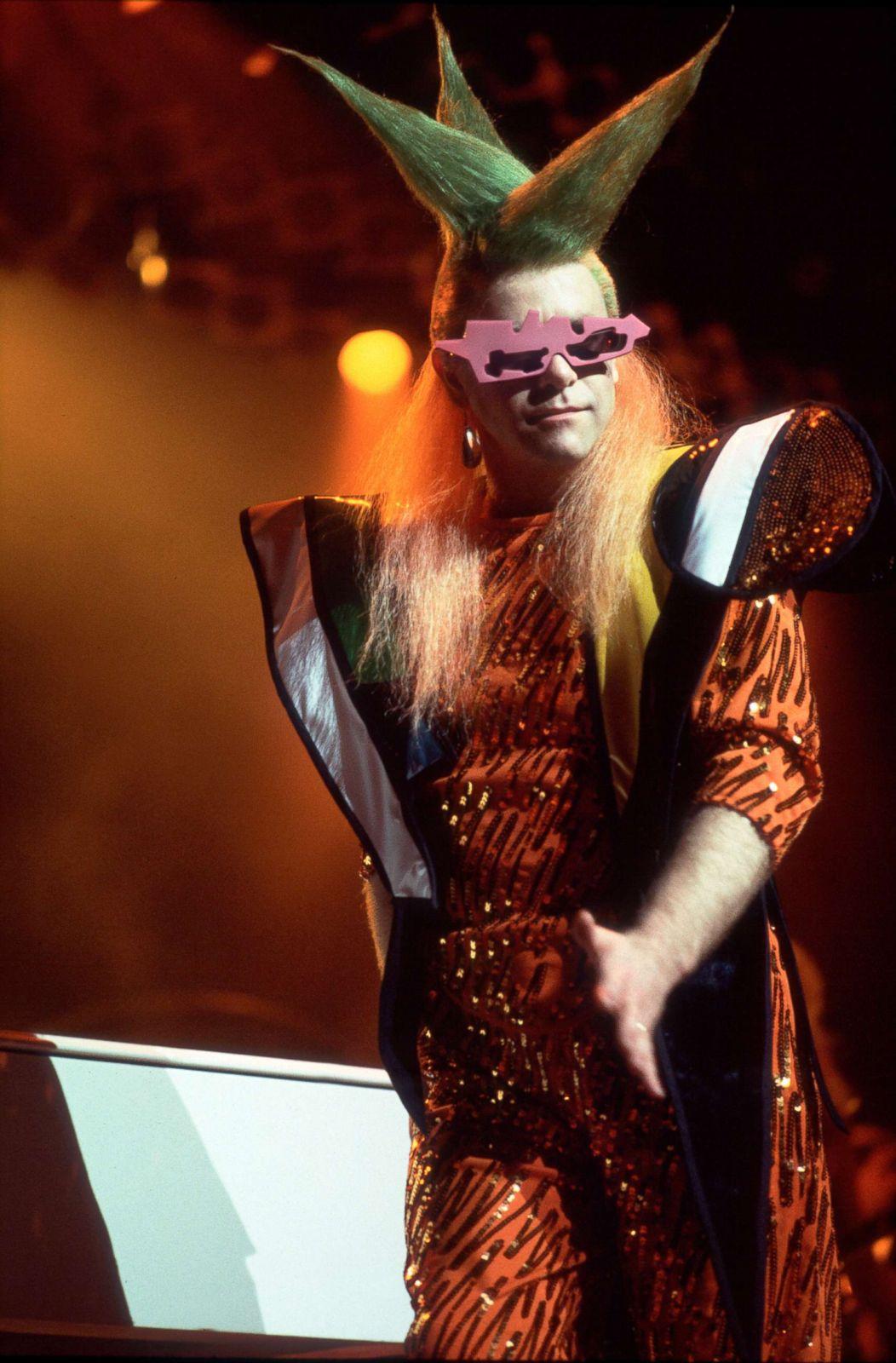 Elton John\u0027s fashion through the years Photos , ABC News