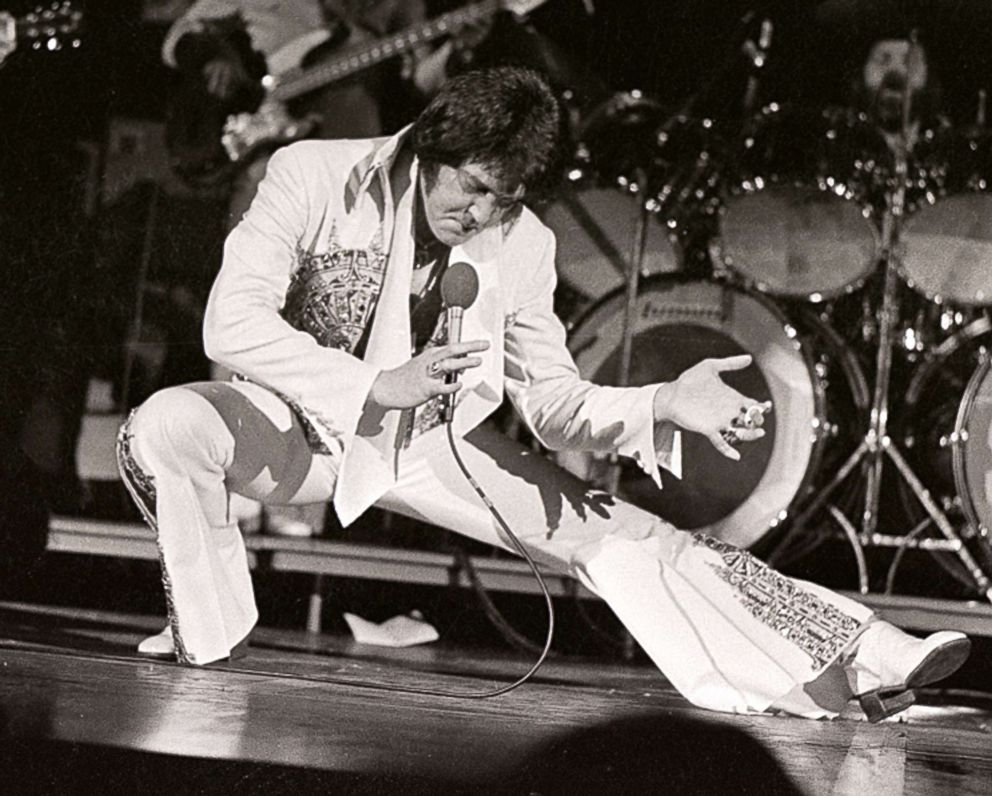 PHOTO: Elvis Presley performs in concert at the Milwaukee Arena, April 27, 1977, in Milwaukee, Wisconsin.