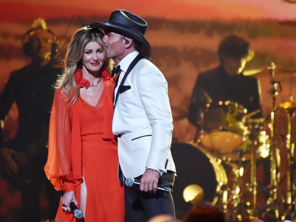 Tim Mcgraw Jokes He 39 S 39 Hydrating 39 After Collapsing On