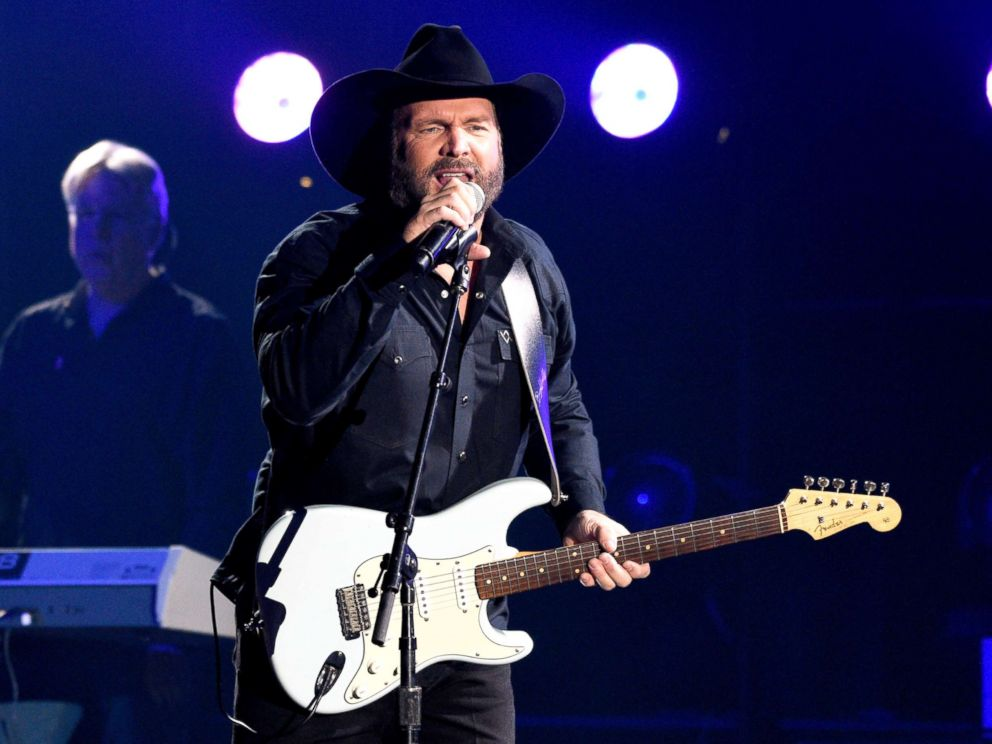 PHOTO: Garth Brooks performs Ask Me How I Know at the 51st annual CMA Awards on Nov. 8, 2017, in Nashville, Tenn.