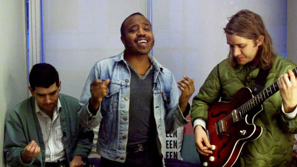Dressing Room Reveal: Meet Durand Jones & the Indications | GMA