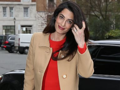Amal Clooney prepares to give a speech on war crimes