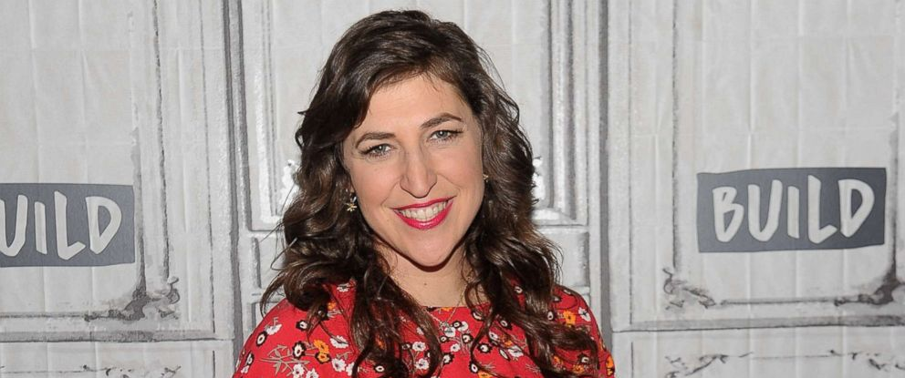 """PHOTO: Mayim Bialik discusses her new book """"Girling Up: How to Be Strong, Smart and Spectacular"""" at Build Studio in New York City, May 9, 2017."""