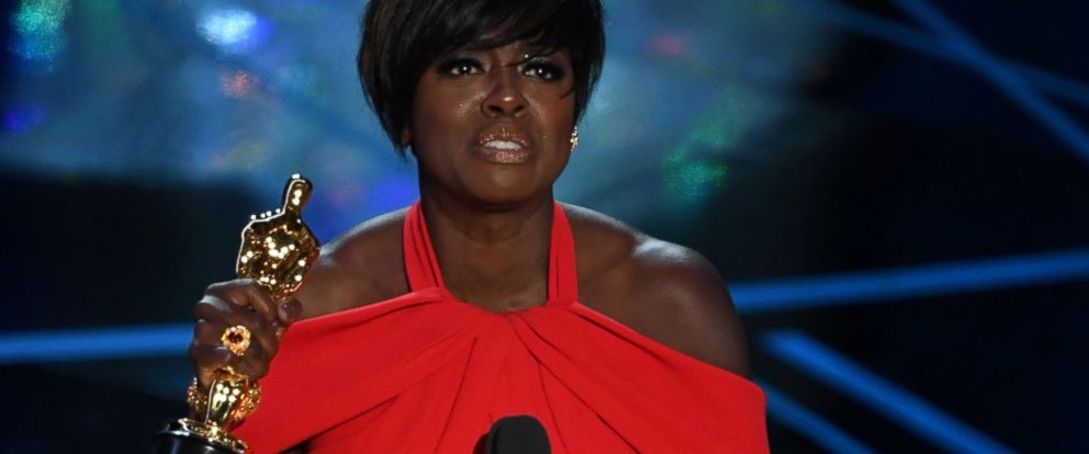 """PHOTO: Viola Davis accepts the award for Best Supporting Actress in """"Fences"""" at the 89th Oscars, Feb. 26, 2017, in Hollywood, Calif."""