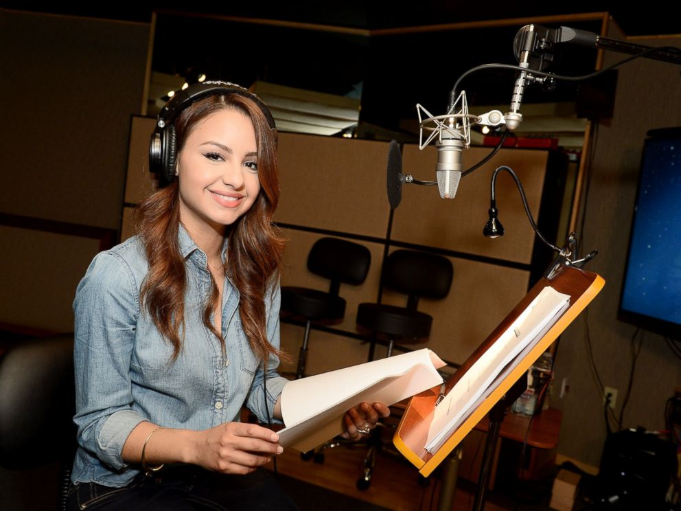 1 aimee carrero will be the voice of elena