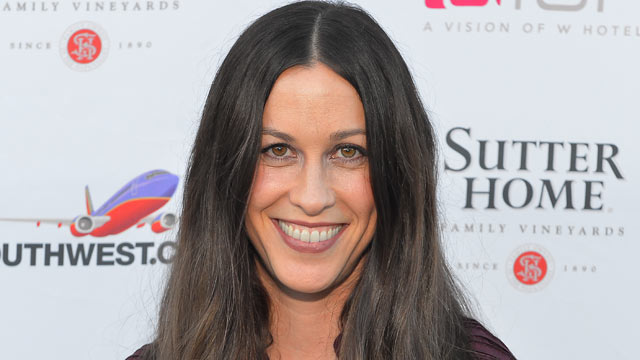 PHOTO: Alanis Morissette poses at the Trinchero family estate after her private Q&A event on Nov. 3, 2012 in Napa, Calif.