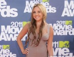 PHOTO: Actress Amanda Bynes arrives at the 2011 MTV Movie Awards at the Gibson Amphitheatre on June 5, 2011, in Universal City, Calif.
