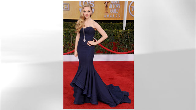 PHOTO: Actress Amanda Seyfried arrives at the 19th Annual Screen Actors Guild Awards at The Shrine Auditorium, Jan. 27, 2013 in Los Angeles.