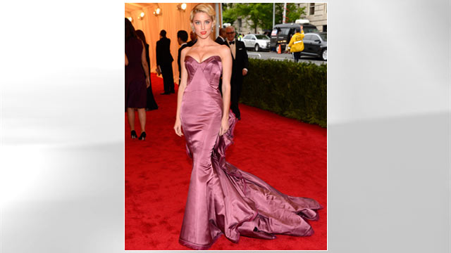 """PHOTO: Amber Heard attends the """"Schiaparelli And Prada: Impossible Conversations"""" Costume Institute Gala at the Metropolitan Museum of Art on May 7, 2012 in New York City."""