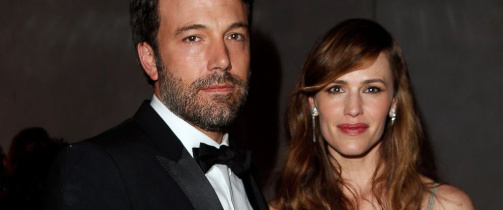 PHOTO: Actor/director Ben Affleck (L) and actress Jennifer Garner attend the 2014 Vanity Fair Oscar Party on March 2, 2014 in West Hollywood, California.
