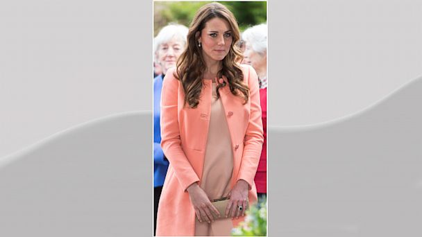 PHOTO: Catherine, Duchess of Cambridge arrives at Naomi House on April 29, 2013 near Winchester, England.