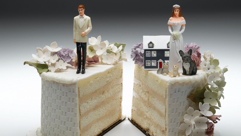 Divorce cakes are a new trend.