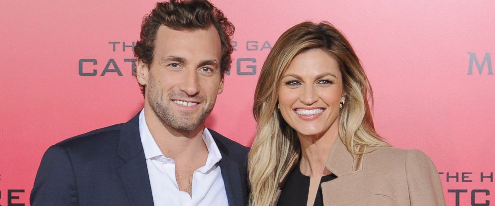 PHOTO: Professional hockey player Jarret Stoll and sportscaster Erin Andrews arrive at Nokia Theatre L.A. Live on November 18, 2013 in Los Angeles, California.