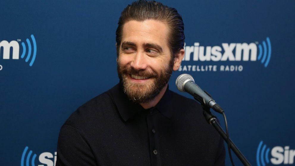 Is jake gyllenhaal married