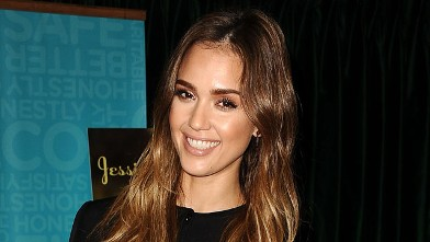 """PHOTO: Jessica Alba signs copies of her new book """"The Honest Life"""" at Vroman's Bookstore on March 16, 2013, in Pasadena, Calif."""