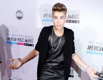 PHOTO: Singer Justin Bieber attends the 40th American Music Awards held at Nokia Theatre, Nov. 18, 2012 in Los Angeles.