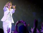 PHOTO: Justin Bieber performs at American Airlines Arena, Jan. 26, 2013, in Miami.