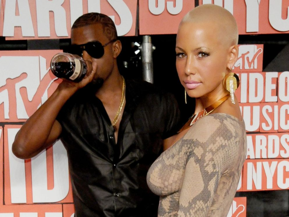 PHOTO: Kanye West and Amber Rose arrive for the MTV Video Music Awards on Sept. 13, 2009, in New York City.