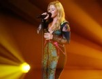 """PHOTO: Kelly Clarkson performs onstage at the """"VH1 Divas"""" show held at The Shrine Auditorium, Dec. 16, 2012, in Los Angeles."""