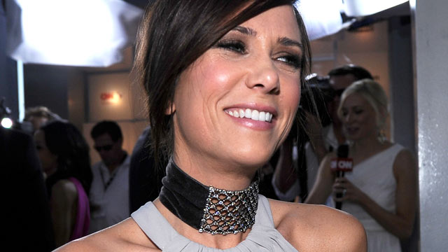PHOTO: Kristen Wiig arrives at the 18th Annual Screen Actors Guild, Jan. 29, 2012 in Los Angeles, Calif.